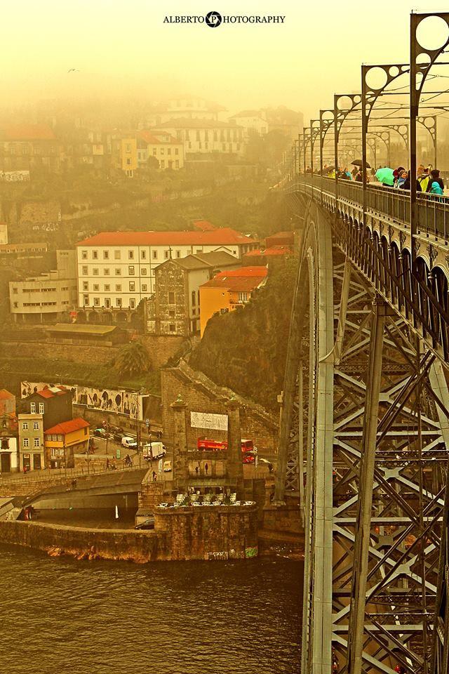 Chuva no Porto. -  f. Alberto Costa Pinto