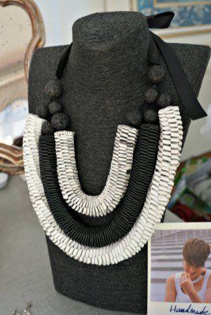 Arual Dem jewels  #artigianato #artigianatoepalazzo #firenze #gioielli #carta #gioiellidicarta #paper #jewellery #paperjewellery