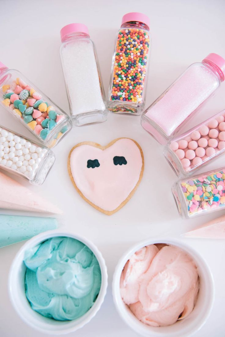 Cookie Decorating Party Ideas - Holiday cookie decorating party