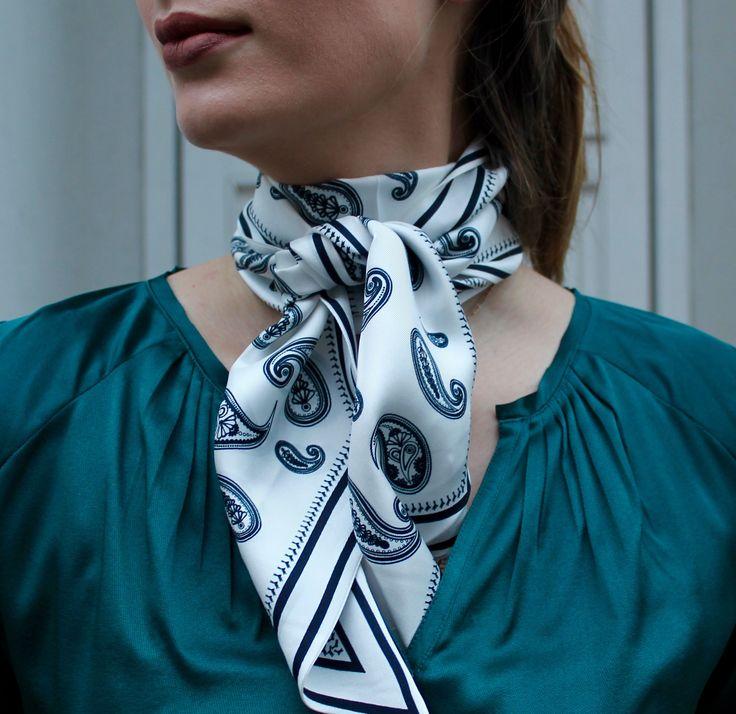 Terna scarf in Natural White and Sandra tunic in Amazon // Dea Kudibal // AW16 // La Femme Allure
