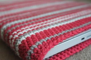 Easy laptop, iphone or Kindle sleeve. Free pattern.
