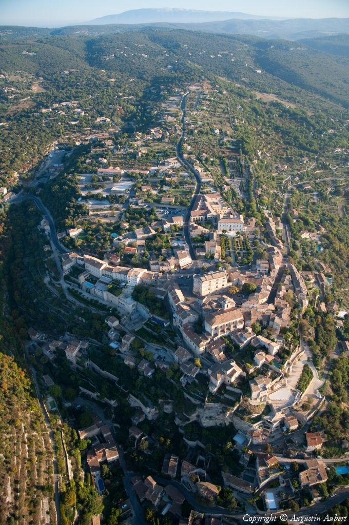 ✈️ Photo aérienne de : Gordes - Vaucluse (84)