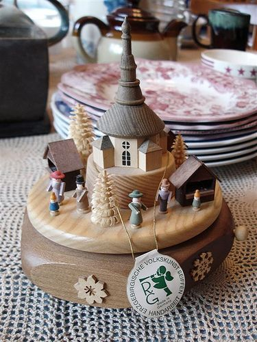 German Music Box #TuscanyAgriturismoGiratola - This box is made of hand-carved wood.