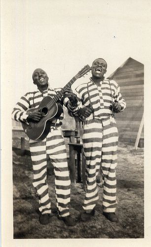 1920's African-American prisoners guitar playing and singing, stripes