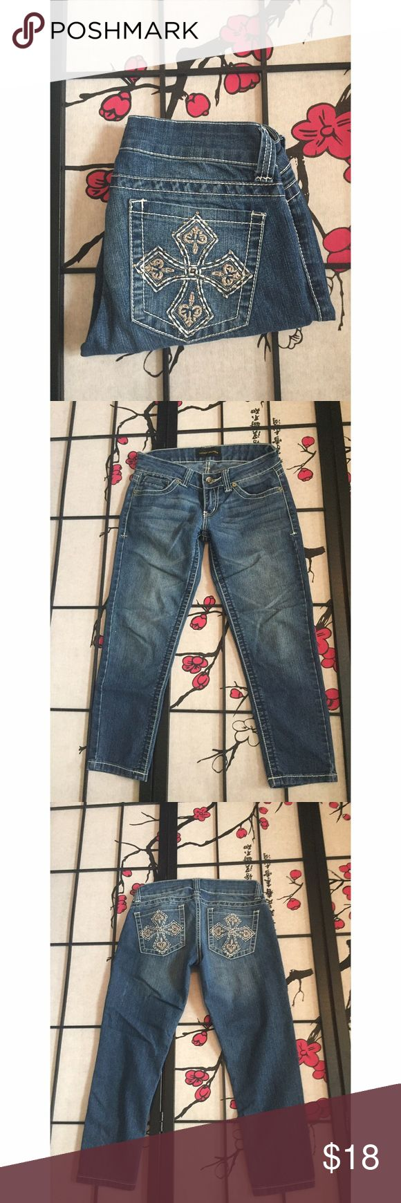 Chinese Laundry Cropped Jeans Measurements - Waist 15 1/2in / inseam 25in / Length 32in Chinese Laundry Jeans Ankle & Cropped