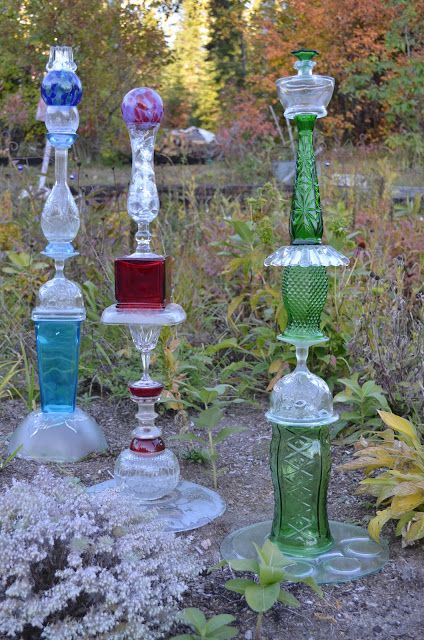 Macgirlver garden totems recycled glass garden decor for Recycled glass art
