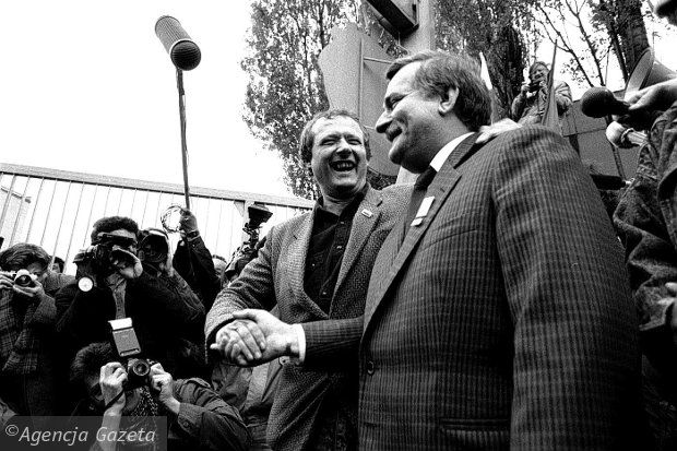 Gdańsk, stocznia, Adam Michnik i Lech Wałęsa, 29.04.1989
