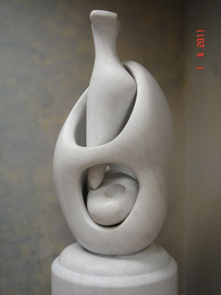 Henri Moore - One of my favorite sculptor.