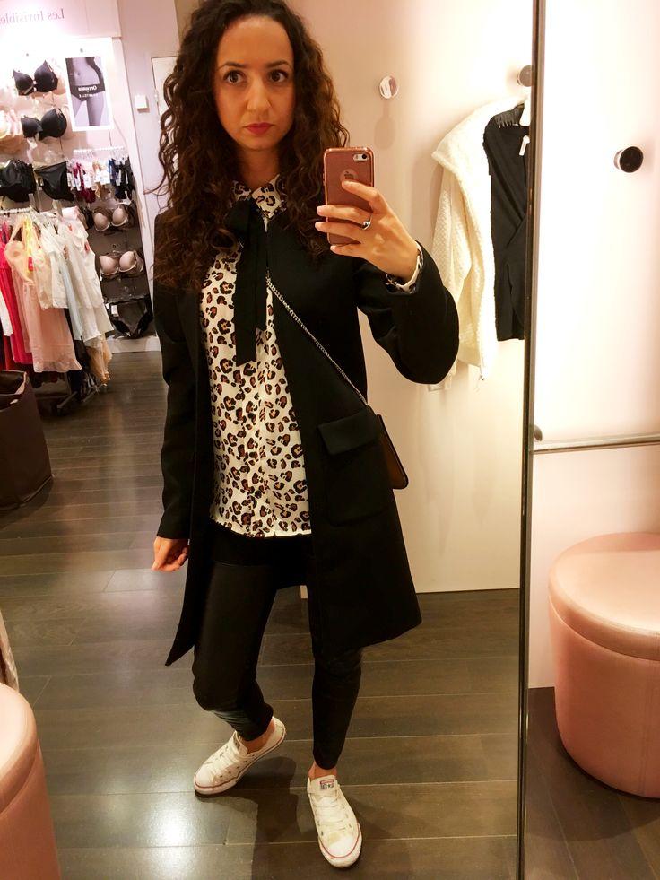 Leopard print shirt + leather pants + converse 🐾