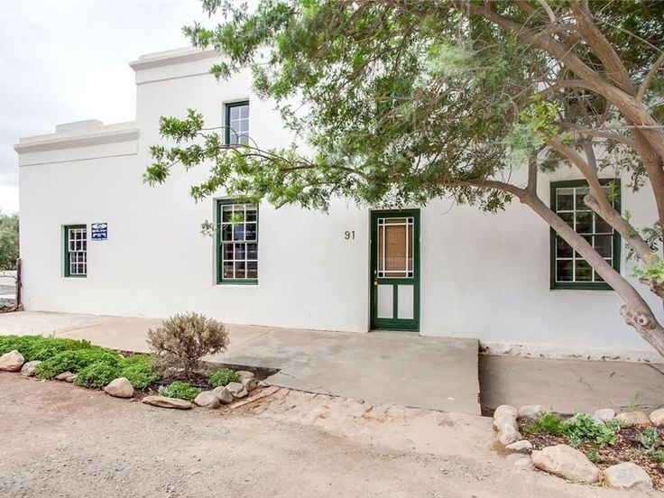 91 Long Street - This is a lovingly restored self-catering house situated in the quaint village of McGregor.  This is the ideal accommodation for a family wanting a peaceful holiday in a rural setting.   The house consists ... #weekendgetaways #mcgregor #southafrica