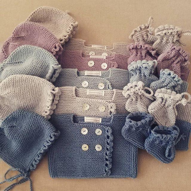Lo mejor de mamá madejas ¡¡#tejer para bebés!! (conjuntos #handmade podeis encargarlos en nuestra tienda de Montecarmelo c/ Monasterio de Oseira 9, Madrid)