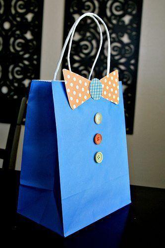 Esta embalagem para presente do dia dos pais decorada é diferente e fácil de ser feita (Foto: seevanessacraft.com)