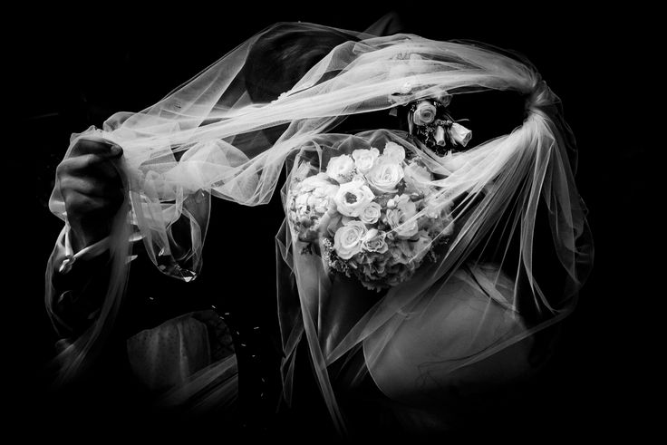 #weddingphotography #weddingphotographer #bridesmaid #weddinginspiration #weddingseason #weddingphotos #fineartwedding #fineartphotography #bride #brideandgroom #groom #realwedding #weddingideas #weddingblog #vintagewedding #modernwedding #rusticwedding #weddingpictures #destinationweddings #happilyeverafter #weddingplanner #chicwedding #herecomesthebride #theknot #weddingwire #weddingday #portugalweddingphotograpger #junebugweddings #photobugcommunity #elopementcollective #risingtidesociety…