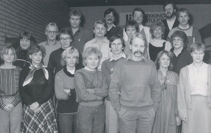 Mainoshoitajatutkinnon nimeksi vaihtui MAT vuonna 1971. Kuvassa MAT-tutkinnon opiskelijoita 1976.
