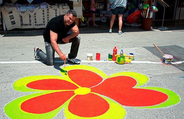 Ζωγραφίζουν τα Μάταλα… στα χρώματα της χαράς! (vid)