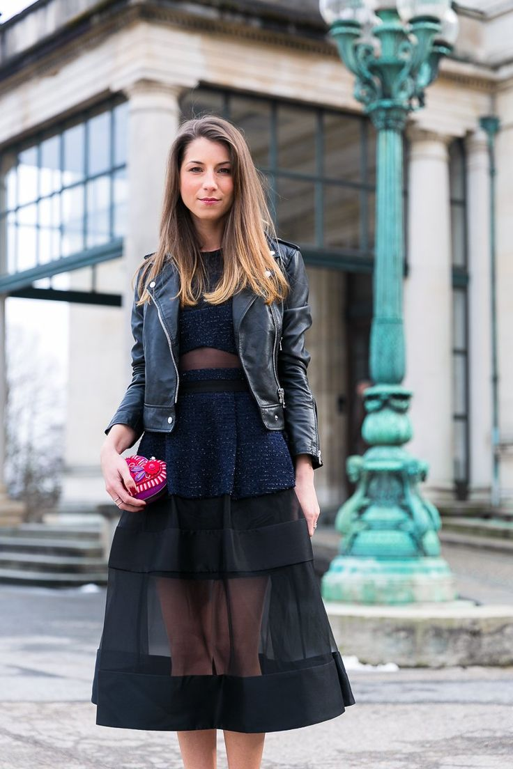 valentinstag outfit kleid lederjacke chic look fashion blog elegant chic