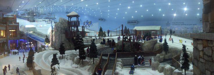 Narty w Dubaju? Narty w centrum handlowym? Narty w środku upału? To Duabi Ski!  #narty #zima #dubaj #skidubai
