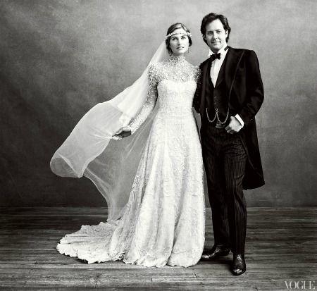 Um, is Lauren Bush-Lauren's wedding dress not the most gorgeous thing you've ever seen? http://glmr.me/vQ7Aqm