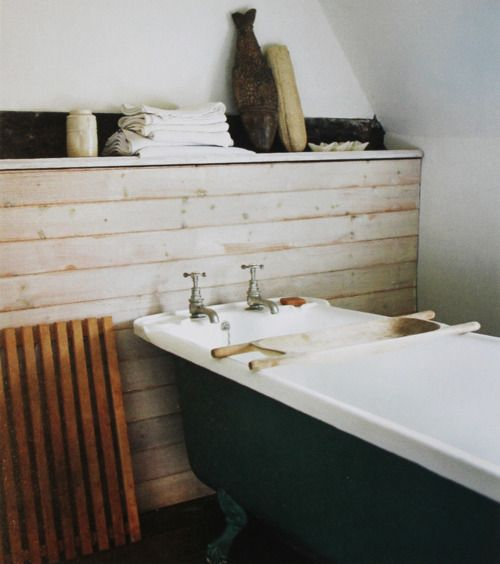 .: Modern Bathroom Design, Bath Tubs, Decor Bathroom, Rustic Bathroom, Bathtubs, Bathroom Ideas, Bathroom Interiors Design, Bathroom Decor, Wood Wall