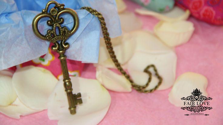 Collar llave de corazón