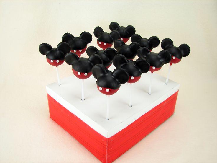 Mickey Mouse vanilla cake pops.