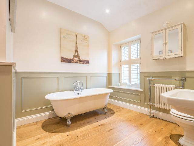 Have a look at this cottage bathroom! Complete with roll top bath and a fabulous walk in shower.