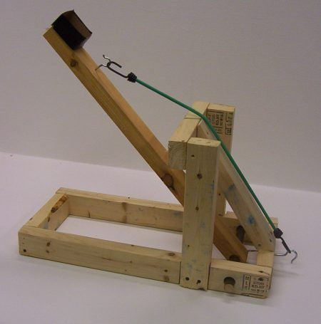 How to make a back garden catapult - my grandkids would love this, doesn't look too hard to build.