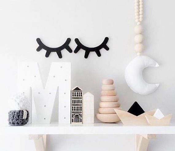 These sleepy eyes are just too adorable! The perfect addition to any nursery. Each eyelash decoration set comes in a pair. A highlight in any baby or childrens room. Whether its over the bed, the dressing table or any other place. Measurements: 15 x 11 x 1cm No toys, please do not let