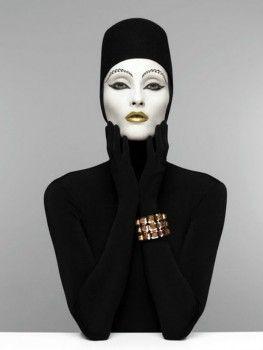 Fahrenheit Magazine | Patrizio Di Renzo presenta su 'Veneno en blanco y negro'