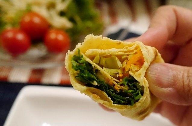 自家製の皮でヘルシーに美味しく食べる、唐揚げトルティーヤの作り方のご紹介。