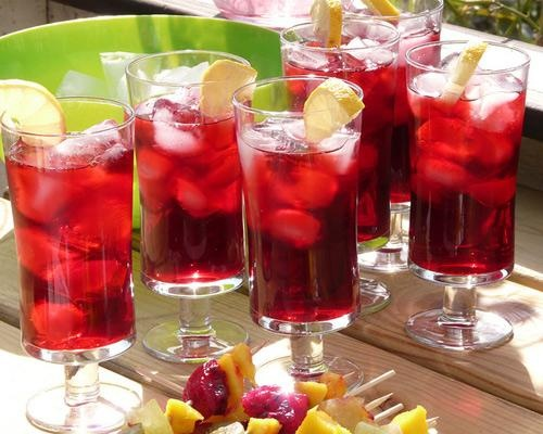5 fresh ways to enjoy tea: Teas Lici, Enjoying Teas, Hibiscus Flowers, Refreshing Drinks, Ice Teas, Photo, Refreshing Summer Drinks, Teas Ideas, Hibiscus Teas