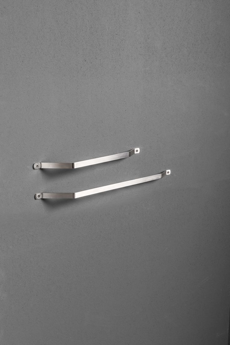 Asymmetric towel rail from the TWENTY collection.