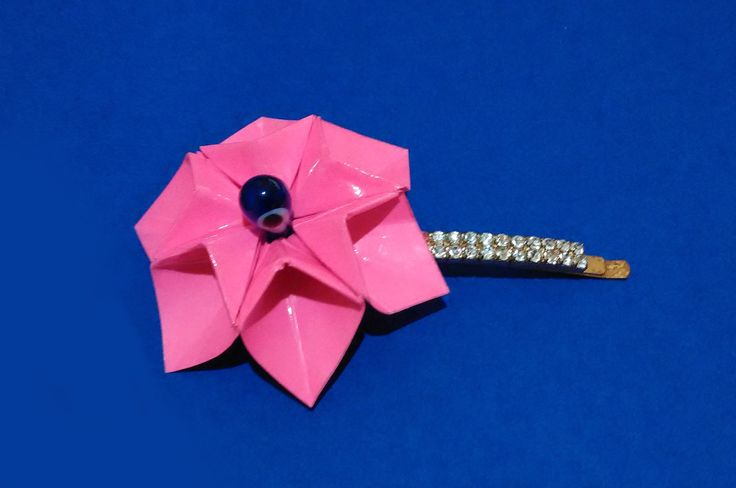 Origami necklace. Easy to do! 3d origami flower. Enjoy!