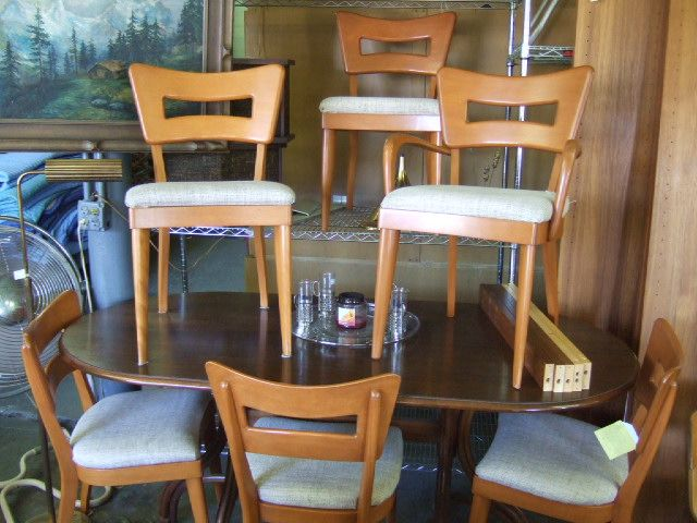 Heywood Wakefield Set Of 6 DOG BONE Cut Out Back Dining Chairs, $895.00 Set