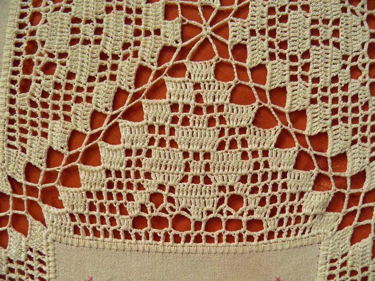 Belle Artes: Trabalhos com entremeios Crochê x Ponto Cruz