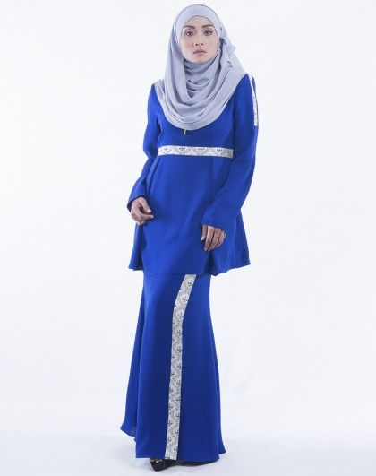 Tun Teja Pleated Jacquard Muslimah Modern Baju Kurung in Royal Blue