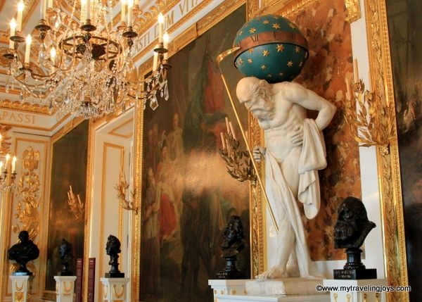 The Knights' Hall features the Polish Hall of Fame with massive paintings of great events and busts and portraits of important Poles. Warsaw's Royal Castle ~ My Traveling Joys
