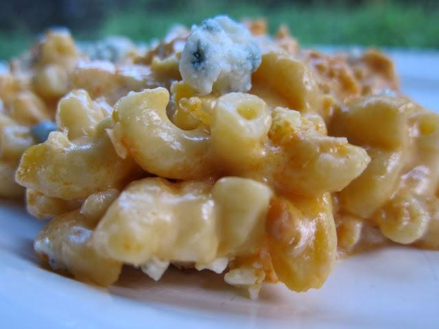 Buffalo Chicken Mac and Cheese: Mac Cheese, Recipe, Yummy Food, Plain Chicken, Buffalo Cream, Chicken Mac, Buffalo Mac, Buffalo Chicken