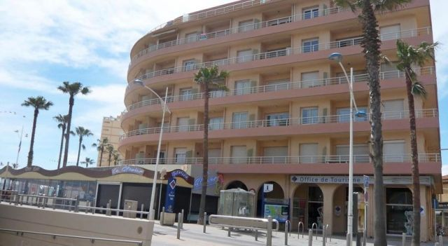 Apartment Le Regent Canet Plage - 3 Star #Apartments - $90 - #Hotels #France #Canet #Canet-Plage http://www.justigo.co.za/hotels/france/canet/canet-plage/apartment-le-ra-c-gent_74902.html
