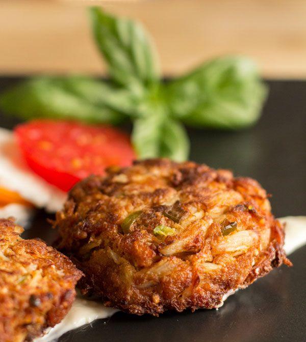 Green Chile Crab Cakes with horseradish sauce | mjskitchen.com