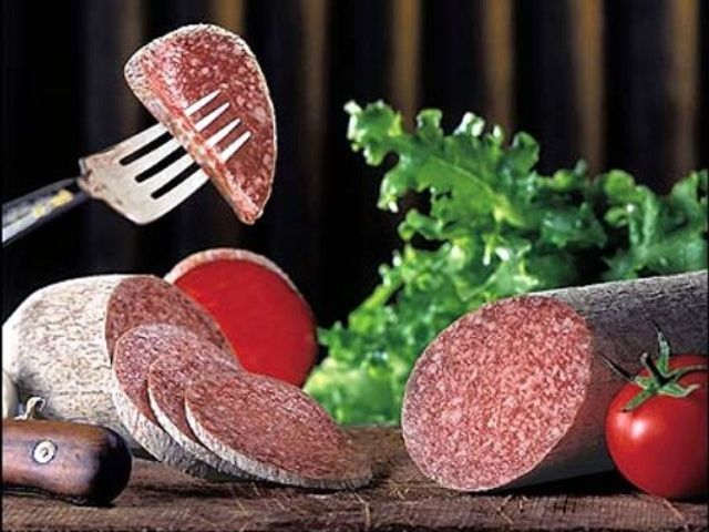 Téliszalámi ― Hungarian winter salami is one of the most popular types of cured…