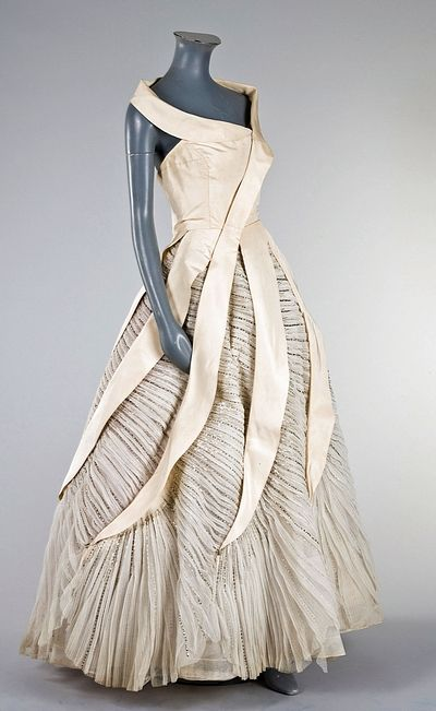 Colette Massignac for House of Paquin, 1950's #fashion