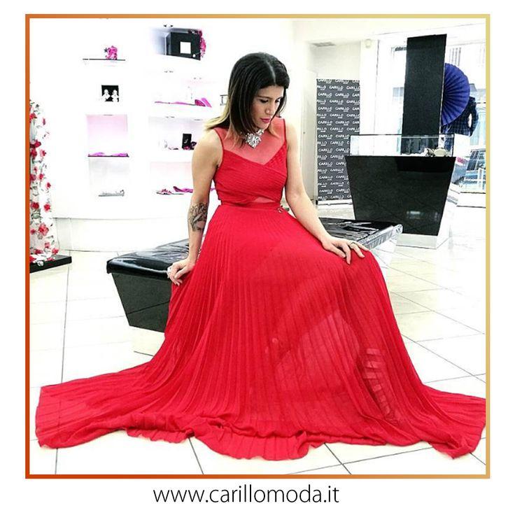 #Abito #donna #lungo #rosso in #georgette con #plissè con #corpetto #incrociato e inserti in #tulle. #2017 #ss2017 #abiti #cerimonia #wedding