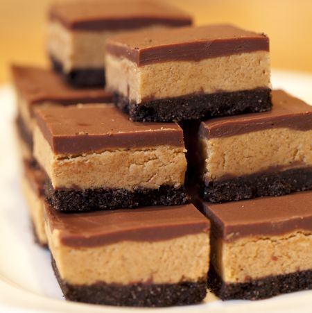 Chocolate Peanut Butter Squares: Peanut Butter Squares, Desserts, Peanuts, Chocolates Peanut Butter, Food, Butter Recipe, Peanut Butter Bar, Chocolate Peanut Butter, Chocolates Peanutbutt