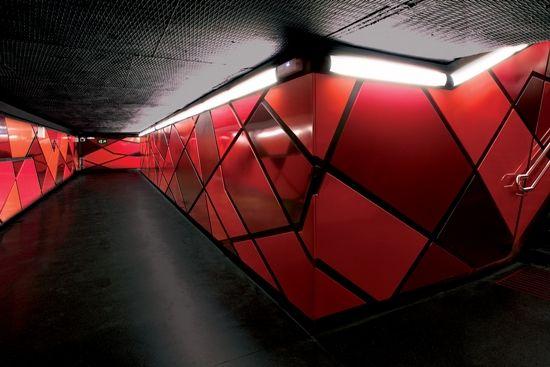 Arquitectura en el metro de Drassanes en Barcelona
