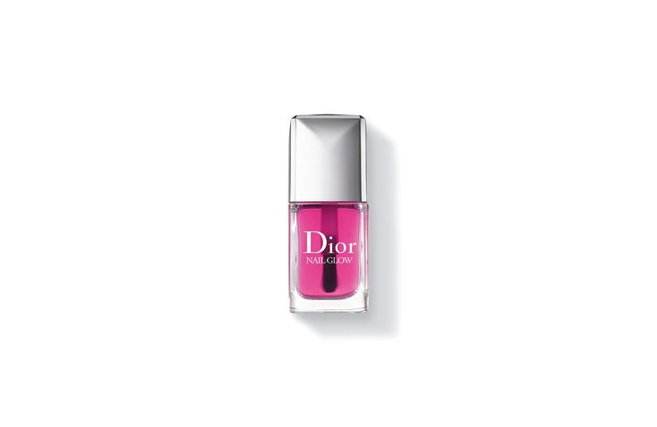 Scopri Nail Glow da acquistare nella boutique online della Maison Dior. Video, tutorial Effetto french manicure istantaneo,trattamento luminosità e consigli di bellezza sul sito Dior.