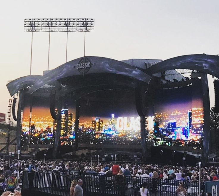 I attended the Classic West concert at #DodgerStadium this weekend! Amazing performances by The Eagles Steely Dan The Doobie Brothers and more!  So much fun!  #classicwest #concert #theeagles #hotelcalifornia #RIPglennfrey #steelydan #doobiebrothers #bobseger #summerconcert #summernights #losangeles #LAlife #lifeisgood #music #mondaymotivation #weekendvibes #nobaddays