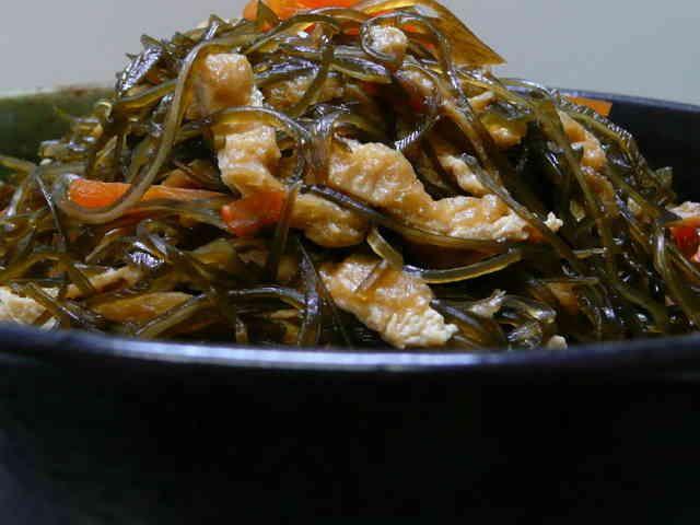 ☆なつかしい味☆きざみ昆布の煮物の画像