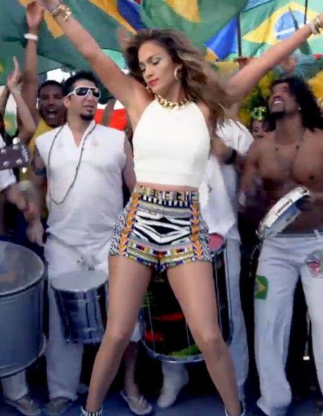 La fin de la cérémonie d'ouverture de la coupe du Monde de football se fera sans elle. Le 12 juin prochain, Jennifer Lopez devait chanter l'hymne du mondial 2014 organisé par le Brésil, « We Are One (Ole Ola) ». http://www.elle.fr/People/La-vie-des-people/News/Pourquoi-Jennifer-Lopez-boycotte-la-coupe-du-Monde-2711554