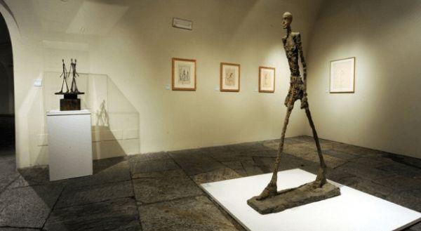 """L Homme qui Marche-considerada como uma das mais caras do mundo seria a L´Homme qui Marche, com um valor de 104,3 milhões de dólares, ela foi vendida em leilão em fevereiro de 2010. A estátua é feita em bronze, tem a altura real de um homem, e seu nome significa """"O homem que caminha"""". Foi esculpida em 1961 por Alberto Giacometti.  Fonte: http://top10mais.org/top-10-estatuas-mais-caras-mundo/#ixzz3uFEFEs1y"""